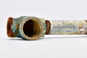 赤錆劣化した給水管イメージ